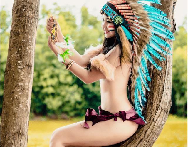 Bộ ảnh khỏa thân của hot girl thổ dân – gây bão mạng xã hội